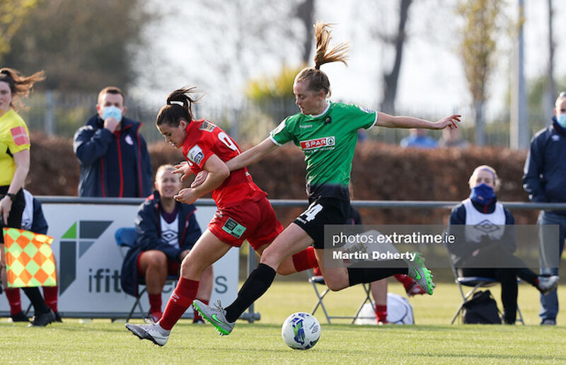 Emily Whelan of Shelbourne FC challenged by Claire Walsh of Peamount United
